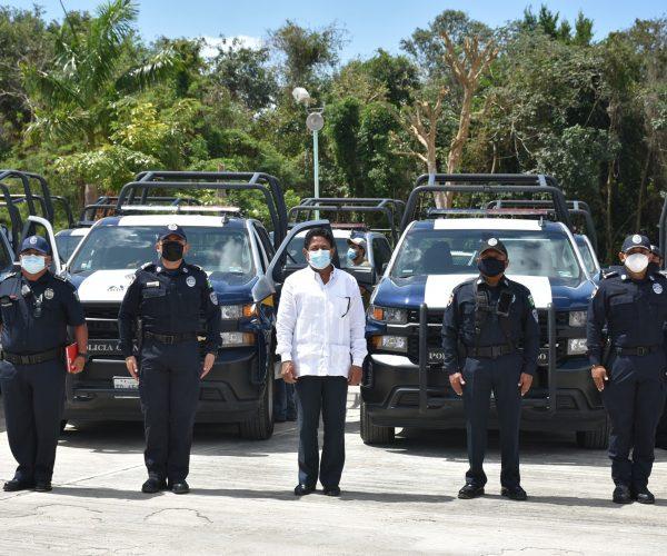 POLICÍA Q.ROO DE OPB RECIBE 10 UNIDADES NUEVAS